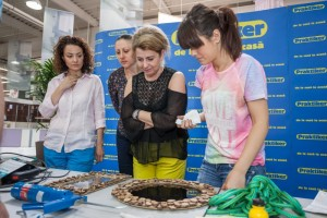 Mirela Ochiana_Marketing Manager Praktiker(mijloc), Alexandra Puiu, Emotion HomeDesign, MC (stanga) si Acreadesign (dreapta)